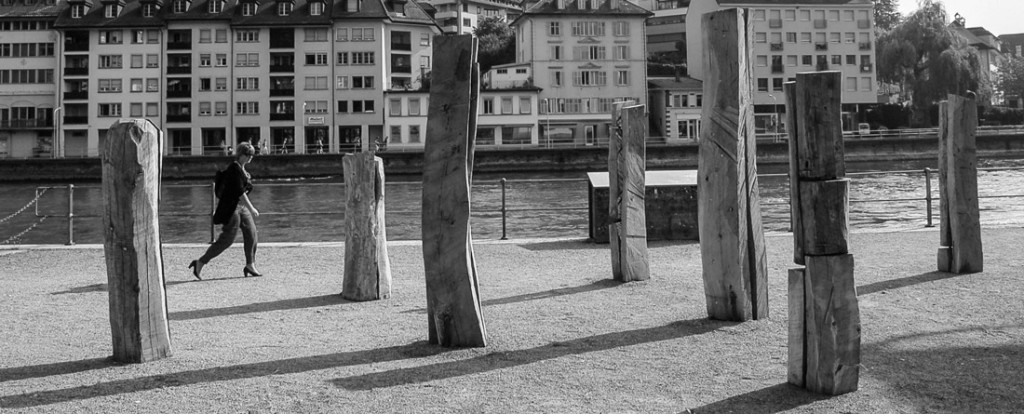 """Segregation and Unity"", 2010, Holz und Stahl, H 140 - 280cm"