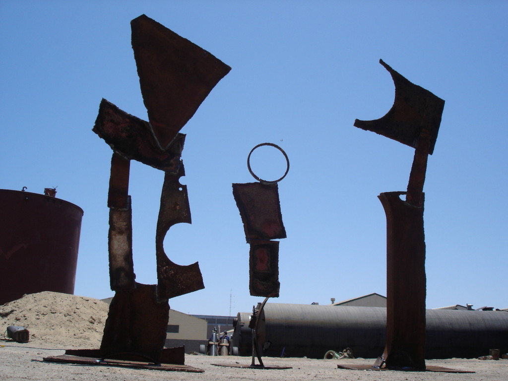 Figure Group/Walvis Bay, 2005, Sheet Steel, Height 1,2 - 2,2m